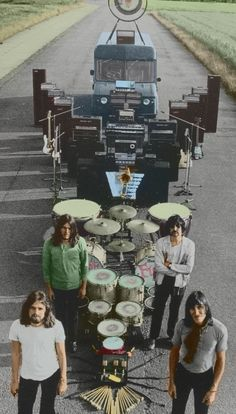 Pink Floyd were an English rock band that achieved international success with their progressive and psychedelic rock music marked by the use of. Time Pink Floyd, Pink Floyd Art, Pink Floyd Album Covers, Pink Floyd Albums, Pink Floyd Echoes, Pink Floyd Members, Pink Floyd Meddle, Musica Punk, Rock Poster