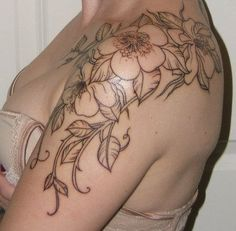 beautiful start to a tatoo Cute Shoulder Tattoos, Shoulder Cap Tattoo, Shoulder Tattoos For Women, Bild Tattoos, Body Art Tattoos, Cool Tattoos, Tatoos, Awesome Tattoos, Arm Tattoos