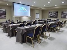 Salas de reuniones Conference Room, Table, Furniture, Home Decor, Reunions, Restaurants, Cities, Homemade Home Decor, Meeting Rooms