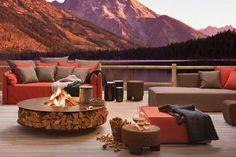 Runde Feuerstelle aus Holz und Stahl im italienischen Design