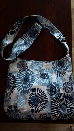 cross body bag (One Yard Wonders pattern)
