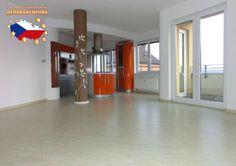 Недвижимость в Чехии: Продажа квартиры 3+КК, Прага 8 - Либень, 290 000 € http://portal-eu.ru/kvartiry/3-komn/3+kk/realty249  Предлагается на продажу квартира 3+КК площадью 135 кв.м в районе Прага 8 – Либень стоимостью 290 000 евро. Квартира находится на третьем этаже семиэтажной новостройки с лифтом. Квартира состоит из двух лоджий, просторной кладовой, гардероба, ванной комнаты с ванной, гостиной с кухней, которая оборудована бытовой техникой класса люкс, двух спальных комнат, холла…