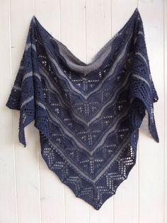 Chose promise, chose due : rendez vous tricot !!! Il y a quelques temps, j'ai eu le plaisir à nouveau de tester un châle de Mamie...