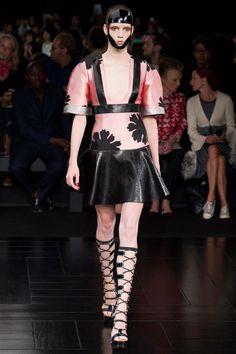 5b04d61cba8 Alexander McQueen Spring 2015 Couture Fashion