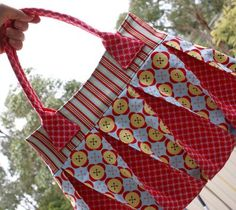 Bags, bags, & more bags - pattern downloads from mellyandme.com