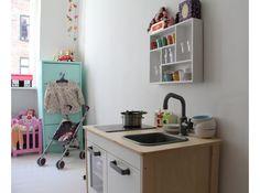 Mooi gestyled keukentje voor de meisjes.