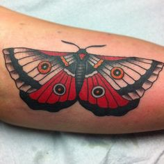 traditional moth tattoo - oh how gorgeous! I want this on my other shoulder!