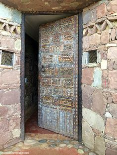 Al Maqam Artist Colony Old Doors, Windows And Doors, Big Cushions, Collections Of Objects, Wood Post, Ethnic Design, Global Style, Rustic Doors, House Doors