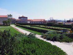 Gardens at Paço dos Cunhas de Santar | via @PortugalConfidential #CentroPT #Portugal