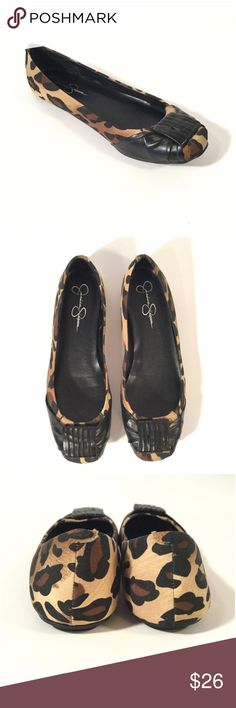 Jessica Simpson Ballet Flats Size 8. Still in great condition. Comfy to wear and easy to travel with. Jessica Simpson Shoes Flats & Loafers