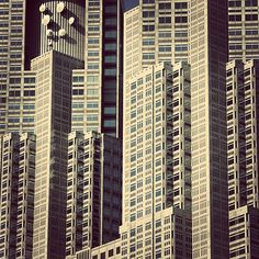 Winter Sinking Strokes: Modern architecture of Tokyo