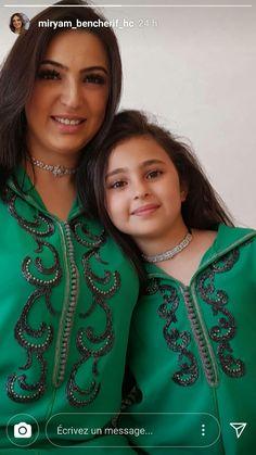 Morrocan Kaftan, Moroccan Dress, Abaya Fashion, Fashion Outfits, Womens Fashion, Dare Shirt, Mother Daughter Fashion, Oriental Dress, Mode Abaya