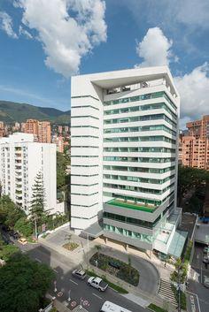 Fachada Edificio Medical. Un proyecto de salud con consultorios, locales y oficinas.  En Medellín - Antioquia
