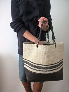 Image of Basic Bag { SBB-Chanvre.14-11} Sacs Tote Bags, Striped Canvas, Craft Bags, Jute Bags, Bag Patterns To Sew, Linen Bag, Quilted Bag, Summer Bags, Prada Bag