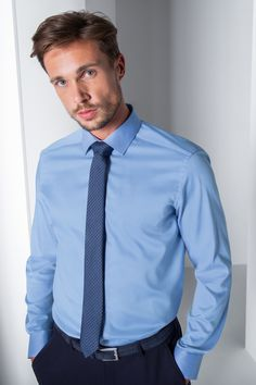 Corporate Wear, Hot Men, Hot Guys, Men's Outfits, Business Outfit, Suit Fashion, Drapery, Mens Suits, Shirt Dress