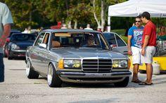 Pornokarre Mercedes-Benz W 123 Mercedes W126, Old Mercedes, Mercedes E Class, Classic Mercedes, Mercedes Benz Cars, Retro Cars, Vintage Cars, Diesel, E92