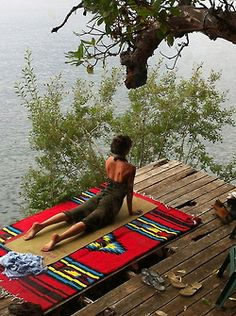 i want a yoga deck that overlooks the sea ...... dreamy!
