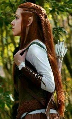 hair-fashion-beauty Braids Curly Muir Haare Styles Hair Outs Vikings Hair, Elf Hair, Medieval Hairstyles, Fantasy Hairstyles, Estilo Tribal, Elfa, Elf Costume, Costumes, Braided Hairstyles Updo