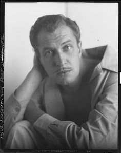 "Vincent Price - In Older Days, he played a wonderful ""bad guy"" and made great horror flicks.the voice of Michael Jackson's ""Thriller"" Peter Lorre, Michael Jackson Thriller, Classic Monsters, Scary Movies, Horror Movies, Silent Film, Classic Films, Film Movie, Old Hollywood"