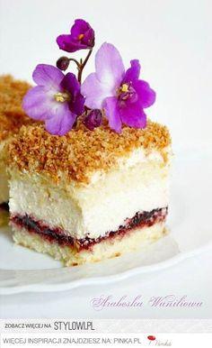 ciasto łabędzi [uch Polish Desserts, Polish Recipes, Cake Ingredients, Sweet Recipes, Whole Food Recipes, Cake Recipes, Flan, Homemade Tacos, Pastries