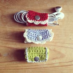 Handmade Earphone Holder Grey Crochet por MalvaDesignStudio en Etsy