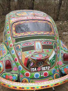 Home Garden : Beau comme un camion ! Hippie Style, Van Hippie, Hippie Car, Hippie Love, Gypsy Style, Woodstock, Combi Wv, Vw Vintage, Happy Hippie