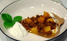 Kaddo Pizza (with spiced ground beef, sugared pumpkin and mint yogurt sauce)
