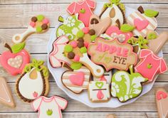 LilaLoa: Baby Rattle Cookies...and an announcement
