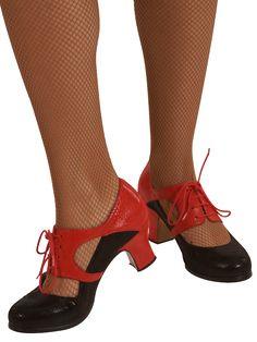 Castanuelas.com (@castanuelas_com) | Twitter Flamenco Shoes, Dance Shoes, Spain Fashion, Dance Wear, Barefoot, Divas, Heeled Mules, Flare, Twitter
