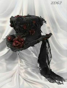 Top hat with roses