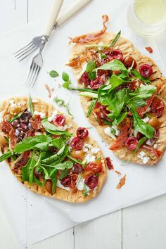 Cherry-Prosciutto Grilled Pizzas