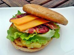 Nem vagyok mesterszakács: 10 legjobb hamburger és amerikai szendvics Route 66, Bacon, Muffin, Sandwiches, Chicken, Ethnic Recipes, Kitchen, Food, Cooking