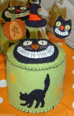 Primitive Halloween *Smilin' Black Cat* Pincushion/Pinkeep PATTERN wool felt  #RustyCinnamon