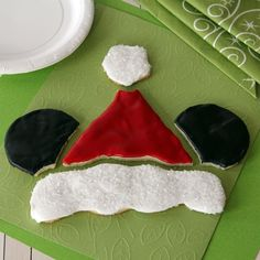 Add some extra ch-EAR to your holiday baking with this Mickey's Santa Hat Cookie Puzzle!