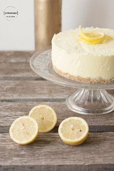 Tarta fría de limón con queso de untar, nata, gelatina y zumo de limón (o gelatina de limón)
