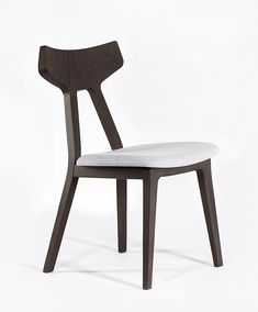 Solid wood chair YOLEE+ By Anesis design Athanasios Babalis Into The Woods, Wood Chair Design, Modern Aesthetics, Minimalist Design, Dining Chairs, Dining Room, Solid Wood, Traditional, Furniture