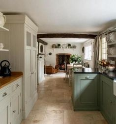 Farmhouse Kitchens 10 Lovely Farm Style Kitchen renovation designs for your kitchen are Country Kitchen Farmhouse, Modern Farmhouse Kitchens, Home Kitchens, Farmhouse Decor, Primitive Kitchen, Kitchen Modern, 10x10 Kitchen, Farmhouse Style, Cottage Style Kitchens