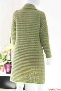 Cardigan crosetat manual; tutorial cu poze si explicatii Crochet Shawl Diagram, Fall Sweaters, Cardigan, Turtle Neck, Autumn, Handmade, Crochet Ideas, Fashion, Sacks