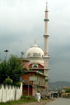 Beautiful Mosque in Kotli valley Azad Kashmir Pakistan Kashmir India, Azad Kashmir, Kashmir Pakistan, Carl Sagan, Islamic World, Islamic Art, Islamic Architecture, Art And Architecture, World's Most Beautiful