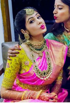 Sarees South Indian Bridal Jewellery, Indian Bridal Photos, Indian Bridal Sarees, Indian Bridal Makeup, Indian Jewelry, Bridal Sari, Wedding Makeup, Bridal Blouse Designs, Dress Designs