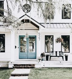 Front Door Colors With Black Shutters Window Trendy Ideas Design Exterior, Exterior House Colors, Exterior Paint, Diy Exterior, Black Trim Exterior House, Black Windows Exterior, White House Exteriors, White Siding House, Black Trim Interior
