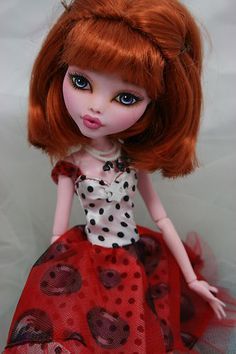 "Monster High ""Draculaura"" OOAK repaint .... Emma 