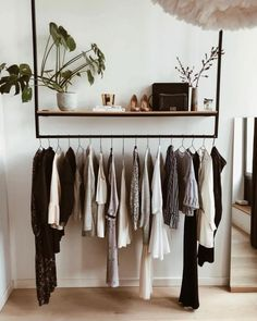 10 Open Closet Ideas for Small Bedrooms. 10 Open Closet Ideas for Small Bedrooms - Ten Catalog. Build wardrobe capsules for the seasons and present your best clothes forward with these 10 open closet ideas ideal for small bedrooms. Small Closet Space, Small Space Bedroom, Small Room Decor, Small Rooms, Large Bedroom, Minimalist Bedroom, Modern Bedroom, Contemporary Bedroom, Minimalist Closet