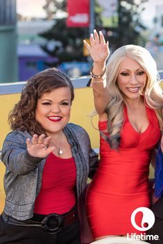 Loving the red dresses on these fun friends from Little Women LA! See them TONIGHT at on Lifeti Lilly And Co, Little Women La, Little Hotties, Tiny Woman, Beautiful Curves, Special People, Celebs, Celebrities, Little People