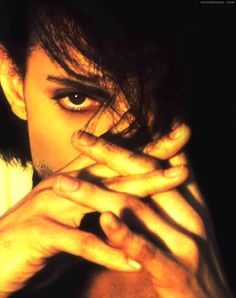 Prince and those beautiful hands!