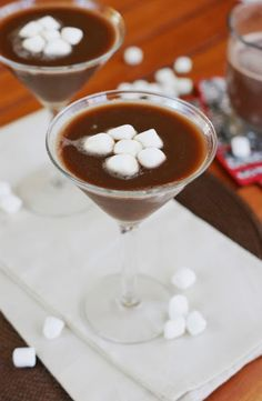 Hot Chocolate Martinis ~ rich and delicious chocolate cocktails that start with prepared hot chocolate as the base!   www.thekitchenismyplayground.com Chocolate Cocktails, Chocolate Martini, Hot Chocolate, Christmas Drinks, Holiday Drinks, Fall Cocktails, Christmas Recipes, Martinis, Pina Colada