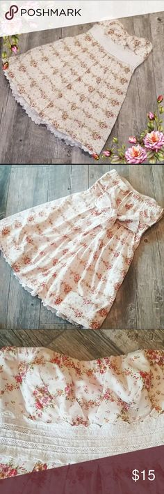 Flirty Floral Sundress Re-Posh-  Size 9 Juniors.  Fun, flirty rose print strapless sundress with lace accents.  Super soft and comfortable.  From a smoke free home. Speechless Dresses Strapless
