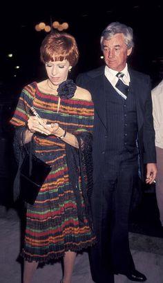 Carol Burnett and husband Joe Hamilton Helen Reddy, Joe Hamilton, Funny Comedians, Jackie Gleason, Carol Burnett, Bob Hope, Married Couples, Thanks For The Memories, Important People