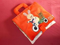 faire un livre pour bebe   Livre en tissu brodé en patchwork appliqué pour enfant