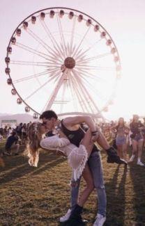 Festival Looks, Rave Festival, Coachella Festival, Disney Instagram, Photo Instagram, Rave Couple, Woodstock, Style Hippie Chic, Festival Photography